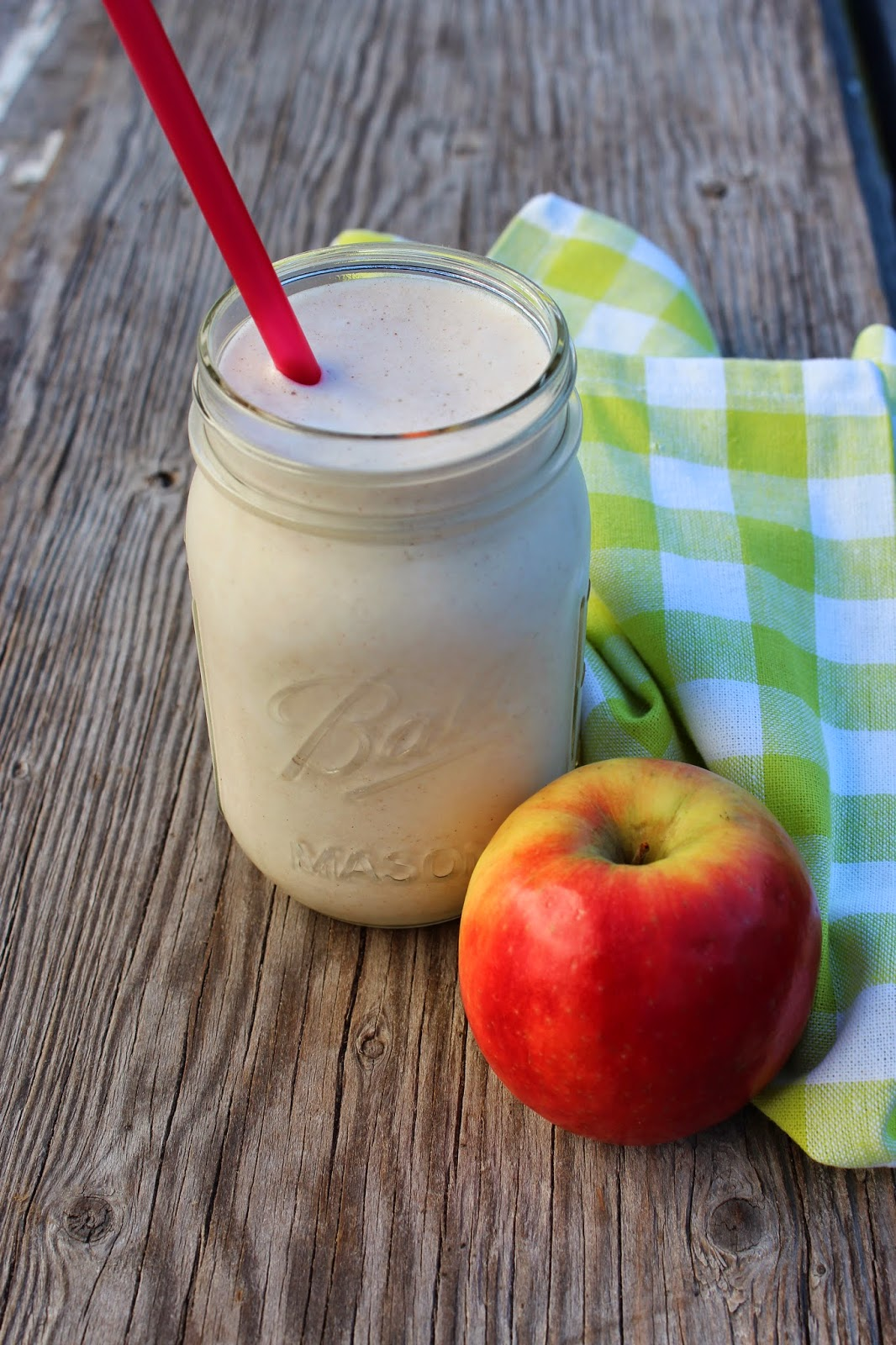Apple Pie a la Mode Protein Smoothie
