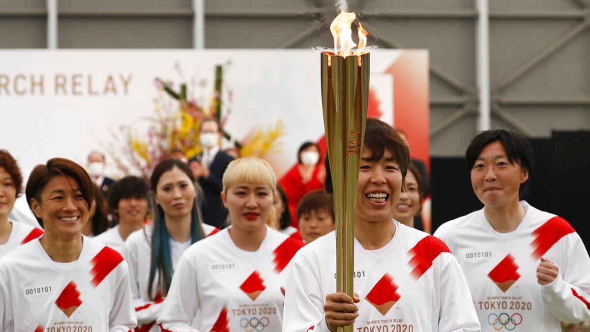 Comenzó el recorrido de la llama olímpica de Tokio 2020