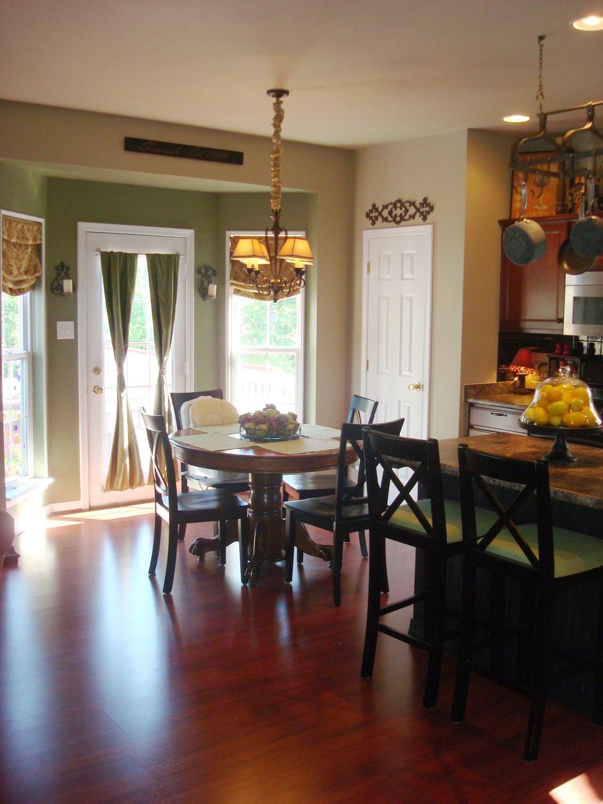 bay window kitchen before