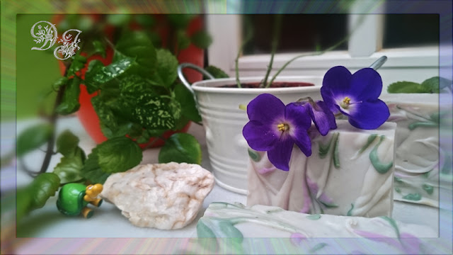 Jabón-artesanal-con-seda