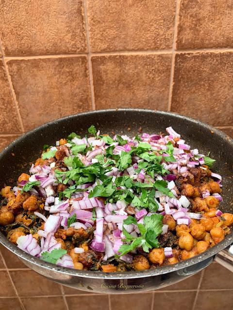 Chana Saag con acelgas y espinacas