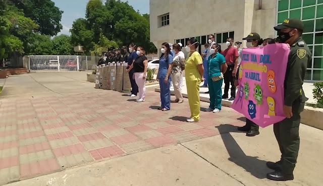 Homenaje de la Policía Cesar al sector salud de Valledupar