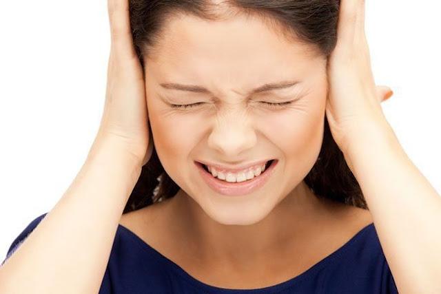Hoa mất, chóng mắt, ù tai là triệu chứng của bệnh rối loạn tiền đình