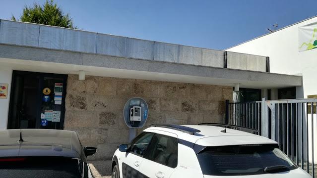 Telefone Publico a entrada do parque de Campismo