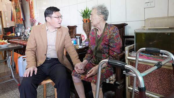 鹿港模範母親施呂綉鳳 樂當慈濟志工投入環保教育站