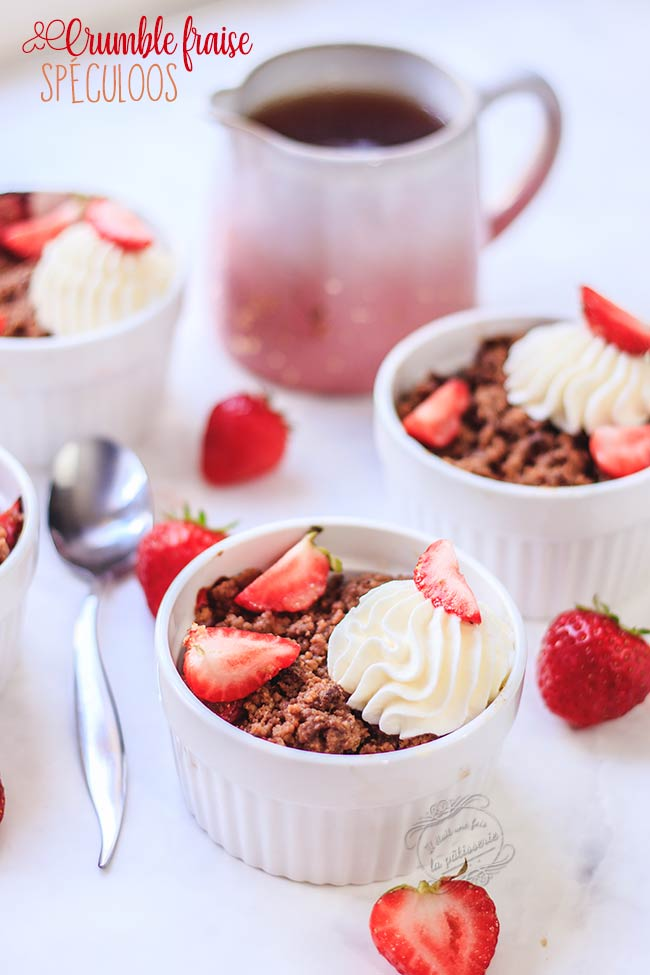 crumble pomme fraise spéculoos