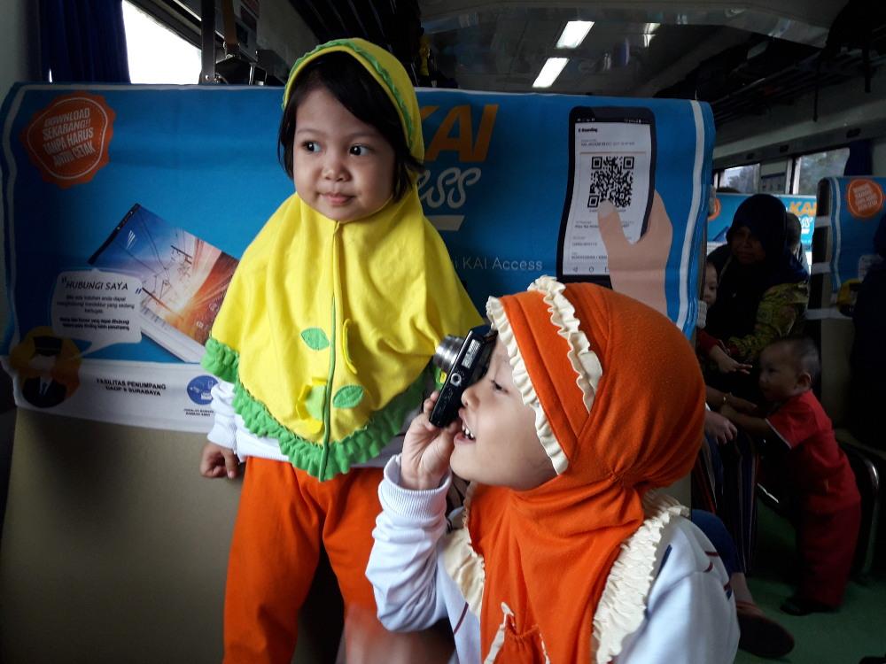 11 Kegiatan Anak supaya Tak Bosan di Kereta