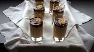 Crema de galletas María y chocolate