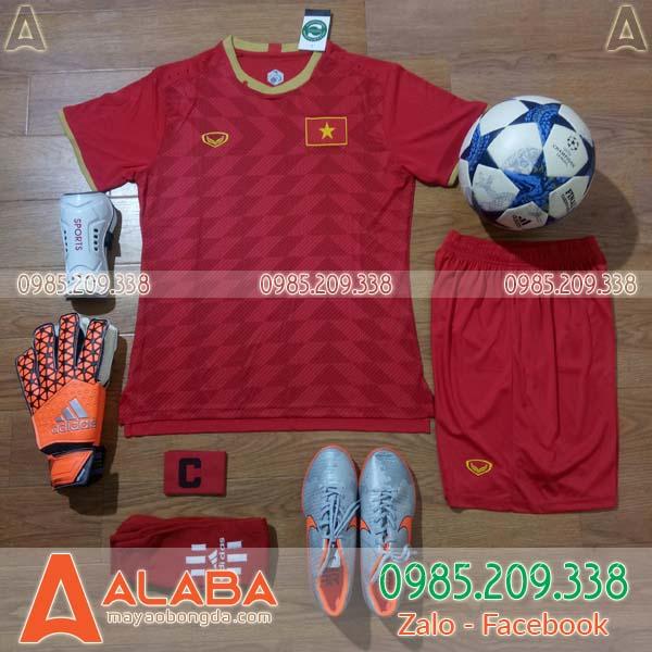 Áo đội tuyển Việt Nam vải Thái Lan