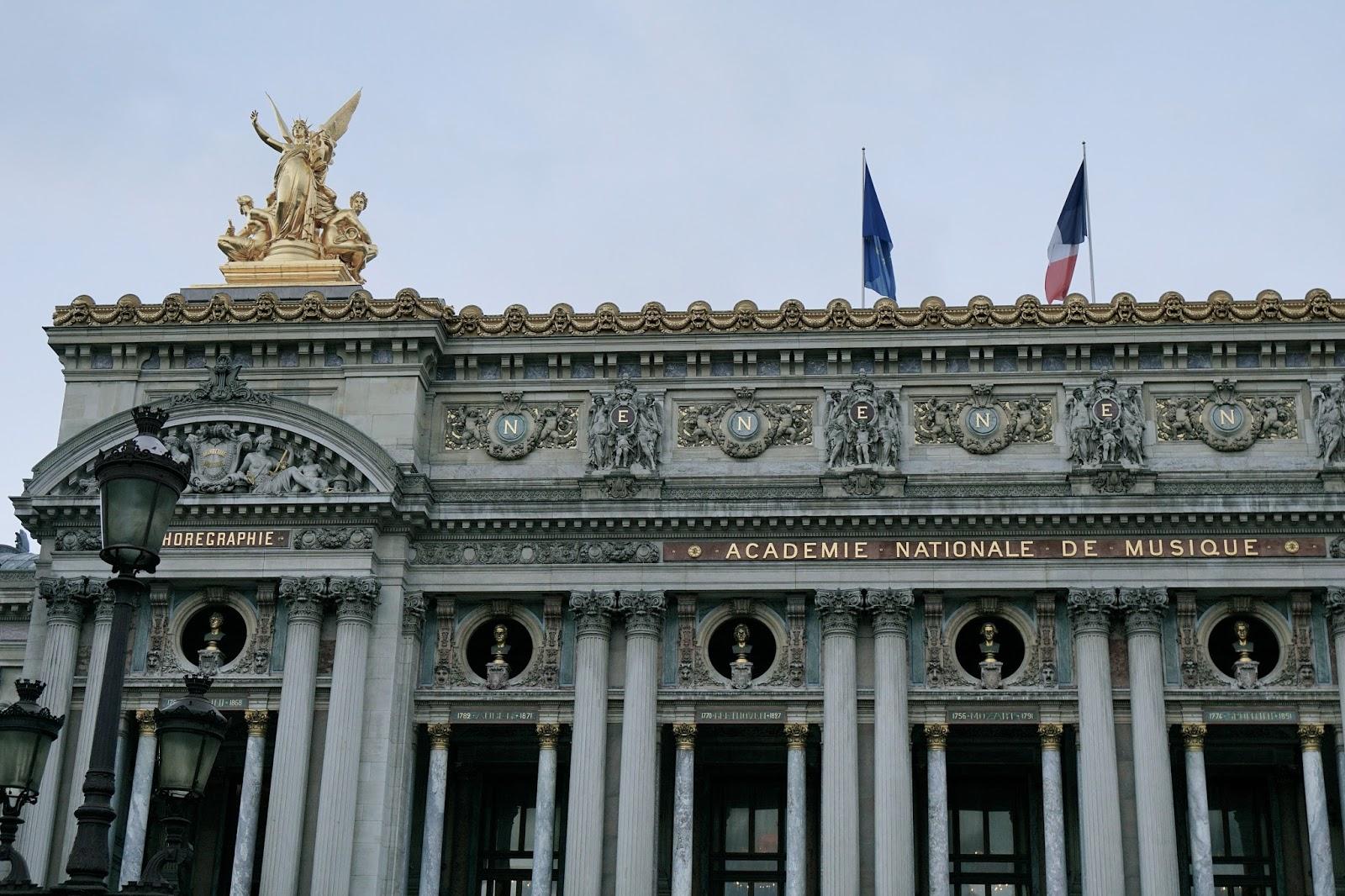 ガルニエ宮(Palais Garnier) 芸術の神ミューズ