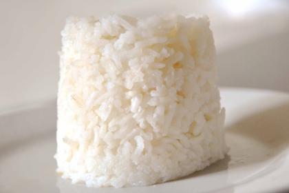 Cara Tradisional Membuat Nasi Putih Pulen dan Wangi