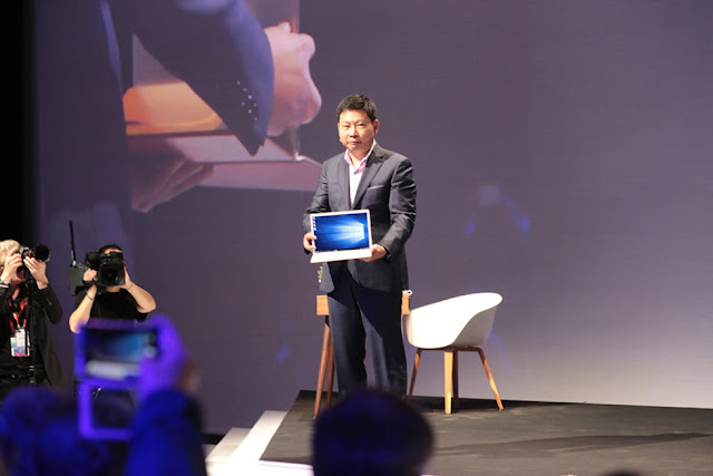 Huawei Launches The MateBook Windows 10 Tablet For 699 USD At MWC 2016