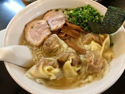 らーめん茂木の雲呑麺