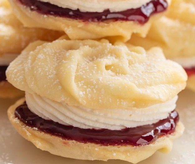 Mary Berry's Viennese Whirls #desserts #cookies
