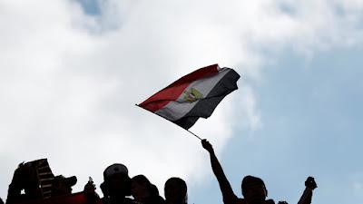 إصدار قانونا جديدا مصرياً لفصل الموظفين بطرق غير تأديبية