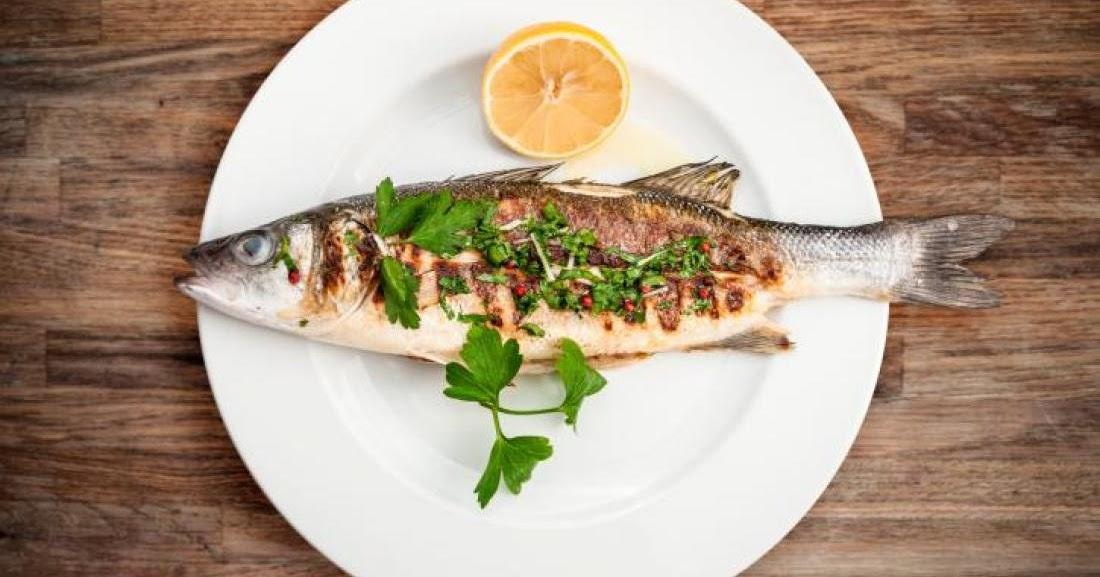اكل السمك في المنام تفسير السمك المقلي والمشوي في الحلم