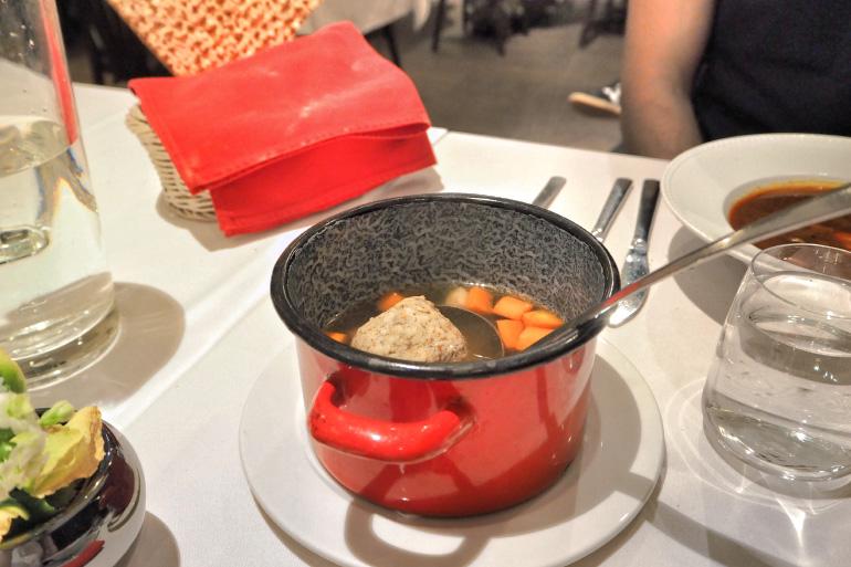 Restaurant de cuisine hongroise et juive à Budapest : Macesz Bistro