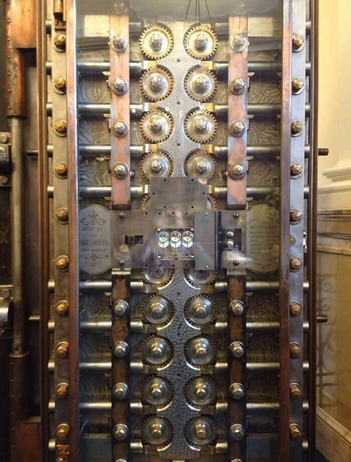 The mechanism of the safe door from a bank of the XIX century