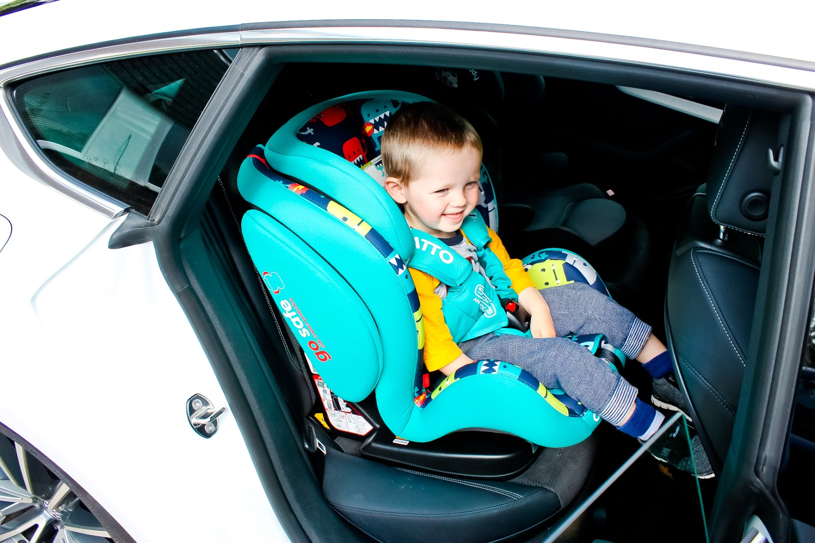 cosatto hug, cosatto hug review, cosatto hug isofix, isofix car seat,
