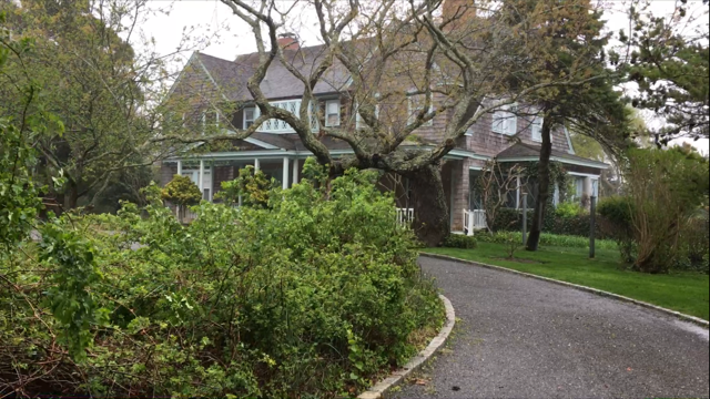 Maison Decor: Grey Gardens: A Haunting Real Life Riches to Rags Tale