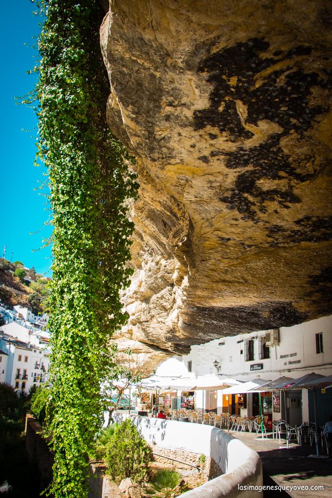 Setenil de las Bodegas, donde las casas nacen de la roca