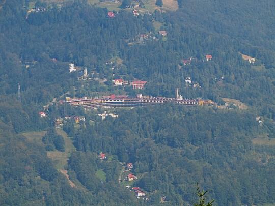 Orle Gniazdo - najwyżej położony w tej części Beskidów potężny kompleks hotelowy zlokalizowany na zboczach Klimczoka i Magury.