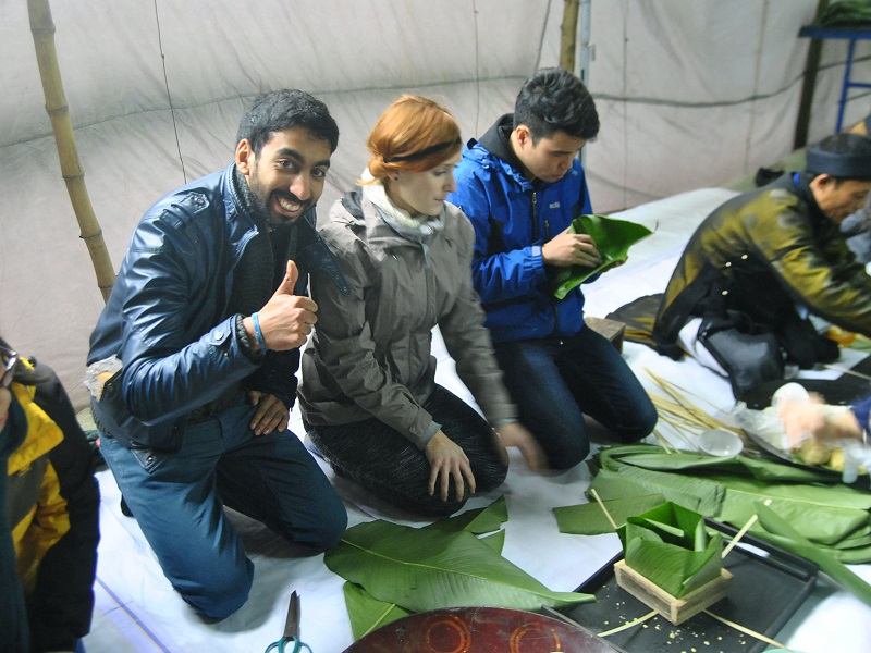 foreigners experience vietnamese tet holiday vietnam travel blog. Black Bedroom Furniture Sets. Home Design Ideas