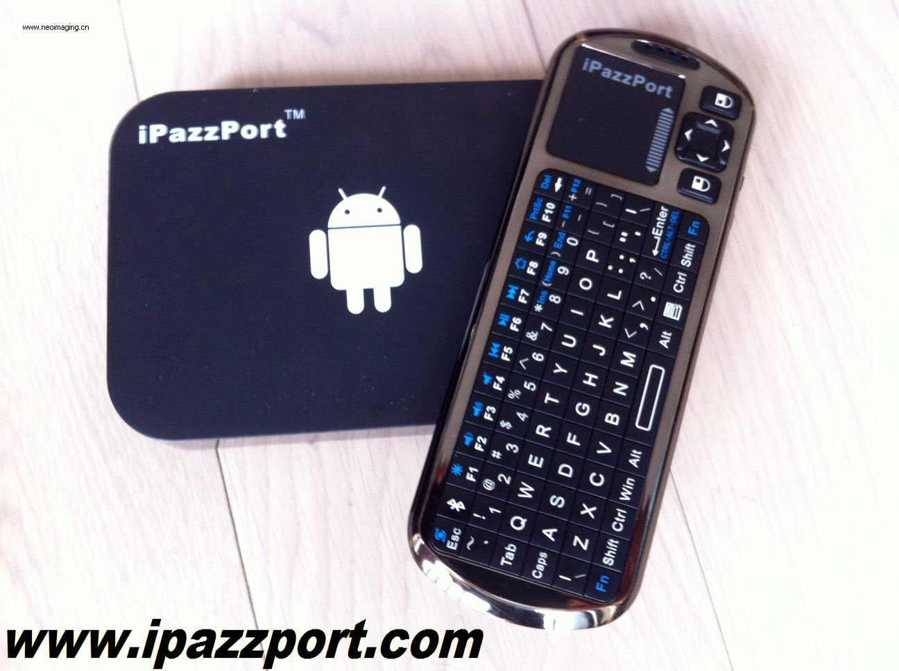 iPazzPort Smart tv/Android HTPC/IPTV Box with a Mini wireless voice