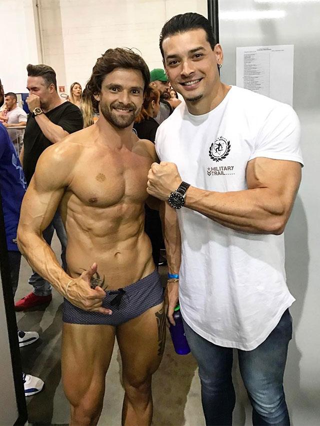 Fabiano Gurgel posa para foto ao lado de Felipe Franco. Foto: Arquivo pessoal