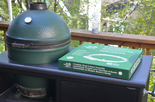 Replacing the bands on a large Big Green Egg