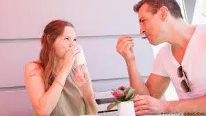 لماذا يتغير الشخص أو قد يفقد شخص ما نفسه عندما يدخل في علاقة؟