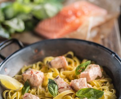 Tagliatelle with salmon and basil sauce