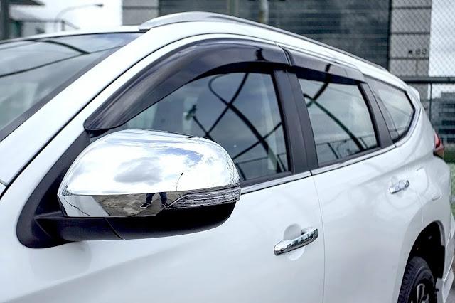 side-window deflector