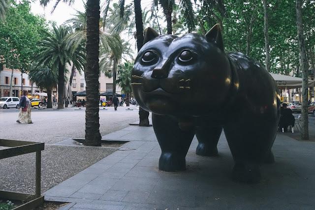 ボテロのネコ(El Gato de BOTERO)