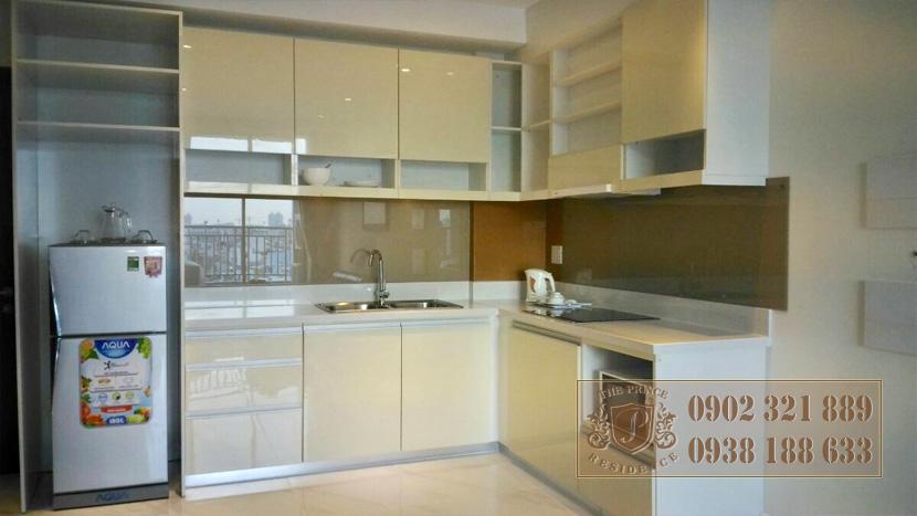 The Prince Phú Nhuận cho thuê căn hộ 3 phòng ngủ - không gian bếp
