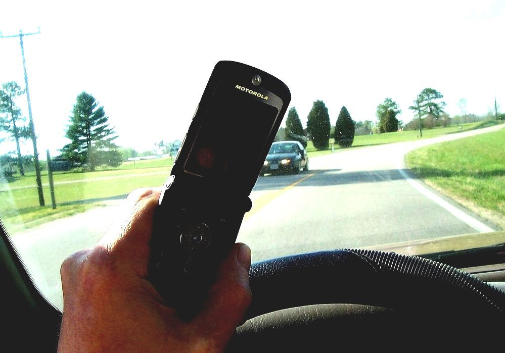 cell phone fines for commercial drivers