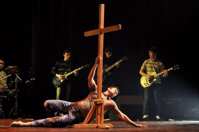 O uso dos objetos nas ministrações, Cruz