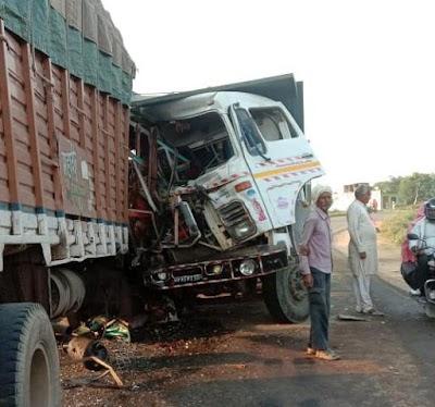 ब्रेकिंग शिवपुरी से आ रही है इस वक्त की बड़ी खबर ट्रक ओर डम्फर में भिड़त | Dinara News