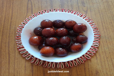 मावा (खोआ) गुलाब जामुन बनाने की परफेक्ट रेसिपी (Khoya Gulab Jamun recipe)