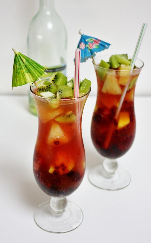 Fun Colorful Fruit Sparkling Spritzers l Homemade Recipes http://homemaderecipes.com/holiday-event/12-cinco-de-mayo-mocktails-to-make