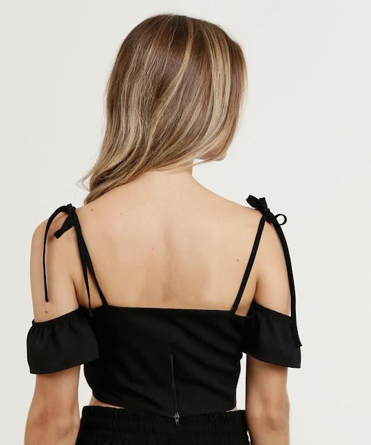 Blusa feminina modelo cropped open shoulder