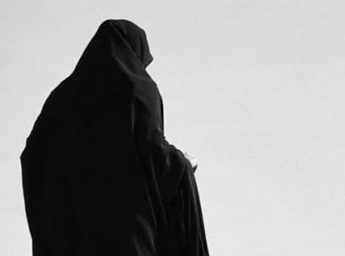 Rahasia Di Balik Jilbab Panjang Annisa