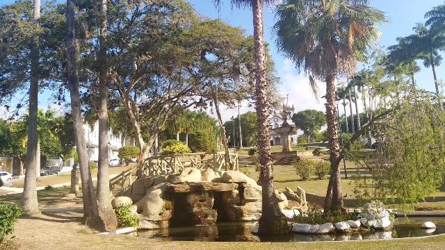 10 motivos para visitar Vassouras. O belo chafariz da praça é um deles