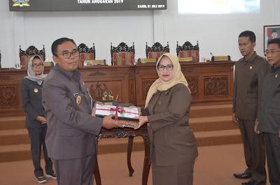 DPRD dan Bupati tanda tangani anggaran perubahan