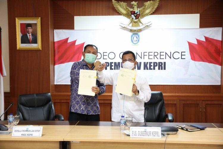Disaksikan Mendagri, Sekdaprov Kepri Tandatangani Nota Kesepakatan Antara Gubernur dengan Kepala Perwakilan BPKP Se Indonesia