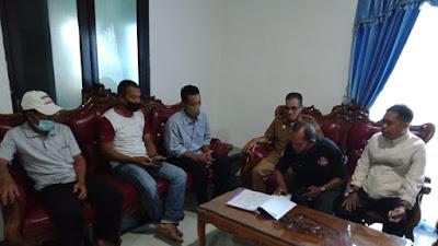 Pertanyakan Pengaduannya, Warga Desa Padangloang Alau Datangi Kantor Inspektorat Kabupaten