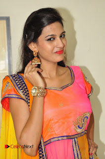 Actress Swetha Jadhav Pictures at Aura Fashion Exhibition Launch 0024