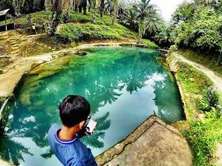 Manigom Nauli Wisata Kolam Renang Mata Air di Dolok Tomuan Daerah Pematang Siantar