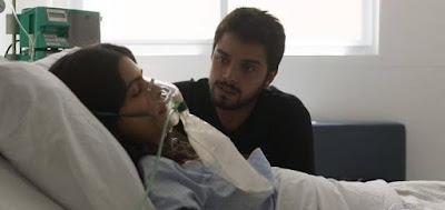 Laila (Julia Dalavia) e Bruno (Rodrigo Simas) em cena da novela das seis da Globo, Órfãos da Terra