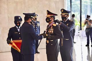 Kapolri dianugrahi tiga penghargaan Utama sekaligus oleh Panglima TNI